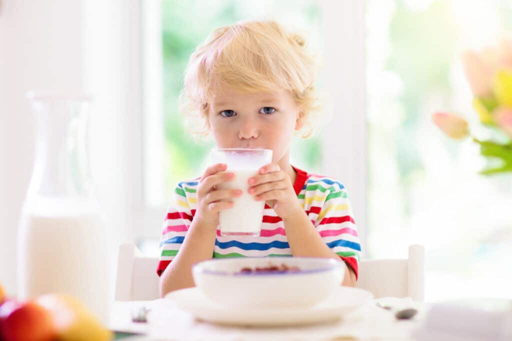 toddler eating and drinking
